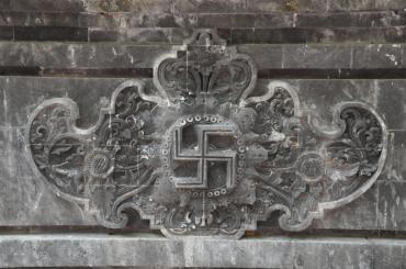 印度教寺庙的万字符雕刻